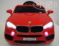 Электромобиль BMW O006OO VIP красныйДетские электромобили<br>ЭЛЕКТРОМОБИЛЬ BMW O006OO VIP С ДИСТАНЦИОННЫМ УПРАВЛЕНИЕМ&amp;nbsp;КРАСНЫЙ ЦВЕТСветовые и звуковые эффекты.&amp;nbsp;Подсветка панели приборов, диодные огни фар.Амортизаторы.Пульт управления: индивидуальный (настраивается по Bluetooh)Колеса: каучуковые колеса низкопрофильныеДвери открываются.&amp;nbsp;Скорость:скорость вперед/назад - плавный ходСидение: кожаное, пятиточечный ремень безопасностиПередвижение по принципу ЧемоданUSB-вход, вход для MP3, SD-входРазмер собранной модели: 103*64*53 см, вес: 14кг, макс. нагрузка: 30кгАккумулятор: 6V/4A*2Редуктор: 2*35W.<br><br>Марка: BMW<br>Модель: O006OO VIP<br>Сиденье: Кожаное<br>Колёса: Каучуковые низкопрофильные<br>Кол-во мест: 1<br>Цвет: Красный