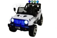 Электромобиль Jeep T008TT белыйДетские электромобили<br>ЭЛЕКТРОМОБИЛЬ JEEP T008TT&amp;nbsp;С ДИСТАНЦИОННЫМ УПРАВЛЕНИЕМ БЕЛЫЙ ЦВЕТСветовые (передние фары, прожектора) и звуковые эффекты.Индикатор заряда батареи.Пульт управления: индивидуальный (настраивается Bluetooh)Колеса: каучуковые низкопрофильныеСкорость: 1 скорость вперед, одна назад.Двери: двери не открываются. Открывается багажник.Открывается капот.Сидение: кожаное. Ремень безопасности.Вход для MP3, microSD-входРазмер собранной модели: 116*68*79,5см, вес: 24кг, макс. нагрузка: 30кгАккумулятор: 12V/7Ah-20hrРедуктор: 12V*2<br><br>Марка: Jeep<br>Модель: T008TT<br>Сиденье: Кожаное<br>Колёса: Каучуковые низкопрофильные<br>Кол-во мест: 2<br>Цвет: Белый