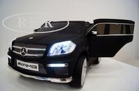 Электромобиль Mercedes-Benz GL63(LS628) черныйДетские электромобили<br>ЭЛЕКТРОМОБИЛЬ MERCEDES-BENZ GL63(LS628)&amp;nbsp;С ДИСТАНЦИОННЫМ УПРАВЛЕНИЕМ ЧЕРНЫЙ ЦВЕТСветовые и звуковые эффекты.Пульт управления: индивидуальный (настраивается по Bluetooh)Колеса: каучуковые низкопрофильныеСкорость: 2 скорости вперед, одна назад.Двери: открываютсяСидение: кожаноеUSB, SD-входРазмер собранной модели: 126*66*52 см, вес: 21кг, макс. нагрузка: 30кгАккумулятор: 12V/7AhРедуктор: 12v*2<br><br>Марка: MERCEDES-BENZ<br>Модель: GL63(LS628)<br>Сиденья: Кожаное<br>Колёса: Каучуковые низкопрофильные<br>Кол-во мест: 2<br>Цвет: Черный