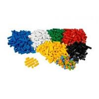 9384 СТРОИТЕЛЬНЫЕ КИРПИЧИ LEGOРобототехника и конструкторы<br>Возрастная категория: 4+Тип кубиков:&amp;nbsp;LEGO&amp;reg;&amp;nbsp;Количество деталей: 884<br>