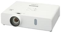 Мультимедийный проектор Panasonic PT-VW355NМультимедийные проекторы<br>Проектор Panasonic PT-VW355N рекомендован для установки в учебных аудиториях, конференц-залах, офисах и школах.<br><br>Объектив: Стандартный<br>Тип устройства: DLP<br>Класс устройства: портативный<br>Рекомендуемая область применения: для офиса<br>Реальное разрешение: 1280x800